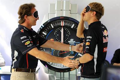Кристиан Хорнер и Себастьян Феттель с закрытыми глазами на Гран-при Италии 2012
