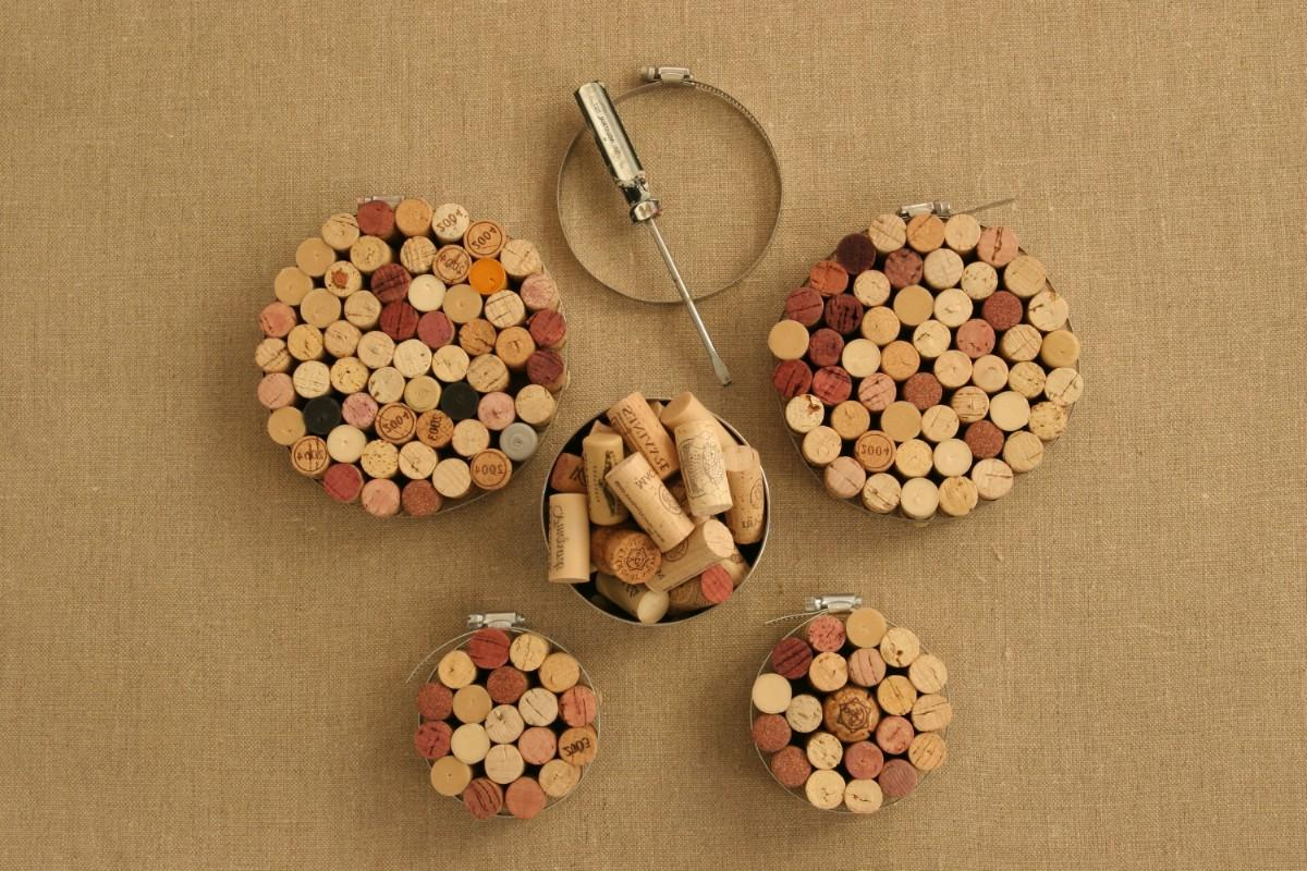 a lot of wine corks.