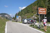 Auf dem Scheitel des Passo Borcola (1250m).
