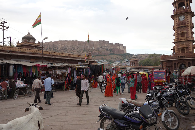 Jodhpur's Sadar Market with the Mehrangarh Fort in the background.