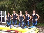 Männer vor dem Raftingboot - Von rechts nach links: Brett Williams, Mark Wheeler, Pete Mahoney, David Gregg, und Andy Boesflug