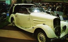 2001.02.10-141.04 Peugeot 401 toit électrique