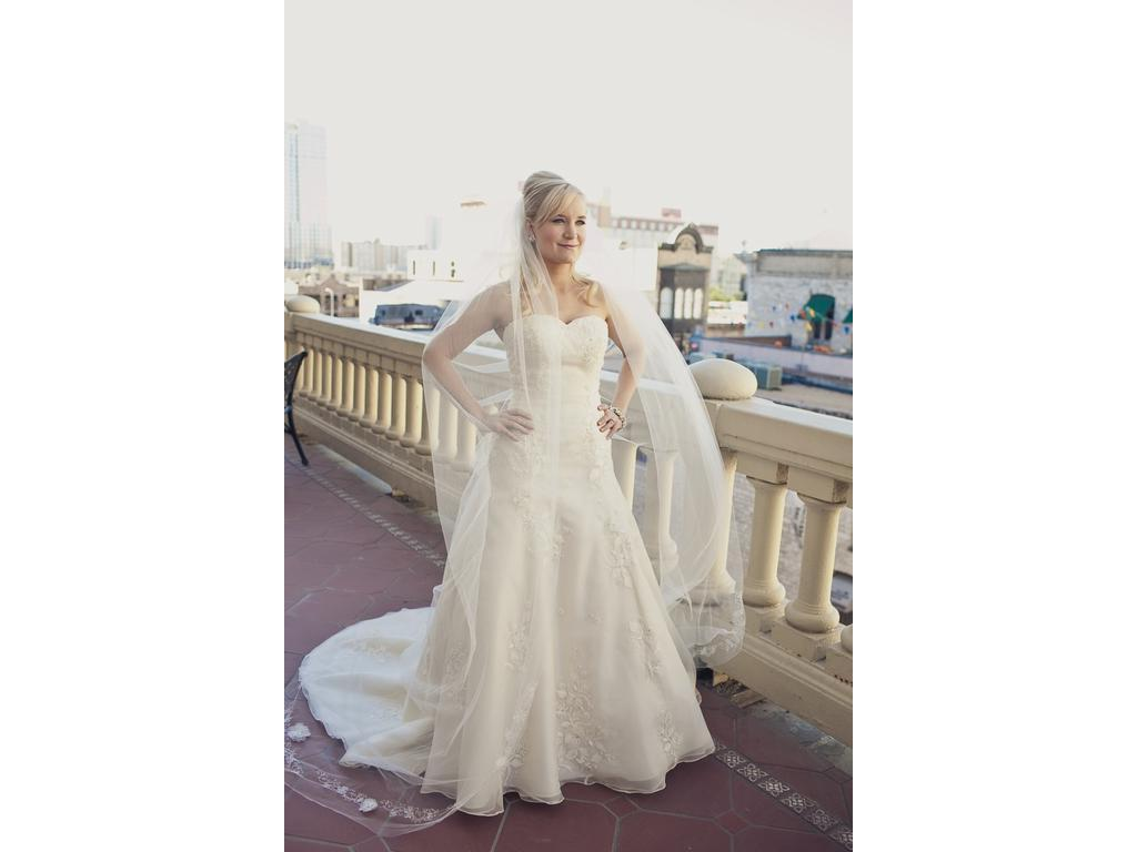 10   Used Wedding Dresses