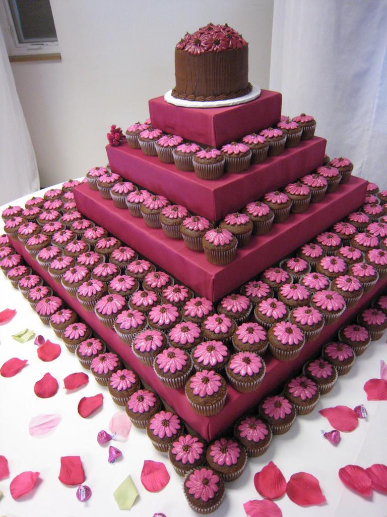 cupcake wedding cakes 02