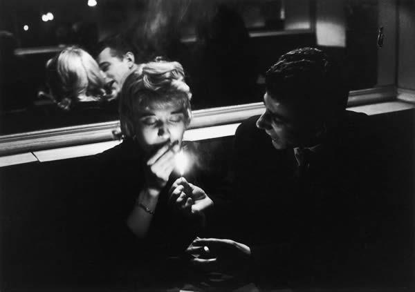 willy-ronis-cafe-le-bidule-rue-de-la-huchette-1957
