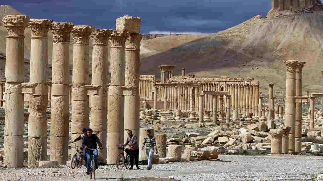 Near East: Syria reclaims 120 looted antiquities from Palmyra
