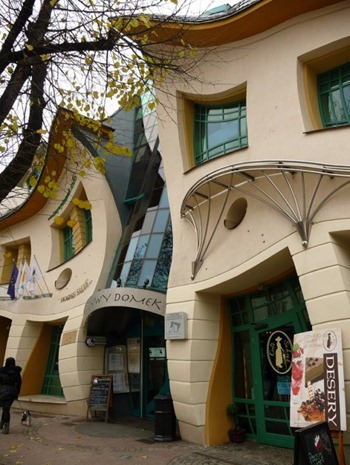 A building without a right angle by Szotynscy and Zaleski from Poland