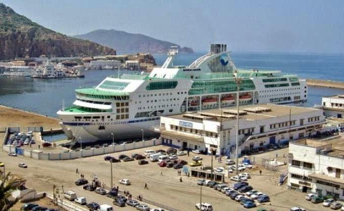 Blocage d un navire de l entmv au port de marseille y a t - Port de marseille pour aller en algerie ...