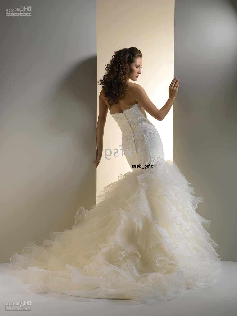 slim wedding dress with zipper corset and Detachable tail,strapless style.