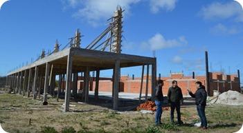 Juan Pablo de Jesús recorrió la obra del centro multicultural que se levanta en Mar de Ajó