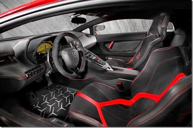 Lamborghini-Aventador-SV-Carscoops19[2]