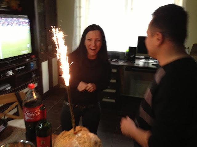 2013.04.06.Meccsnézés nálam+Marcsi meglepi tortája)