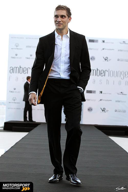 Виталий в костюме на Amber Fashion Show Гран-при Монако 2011
