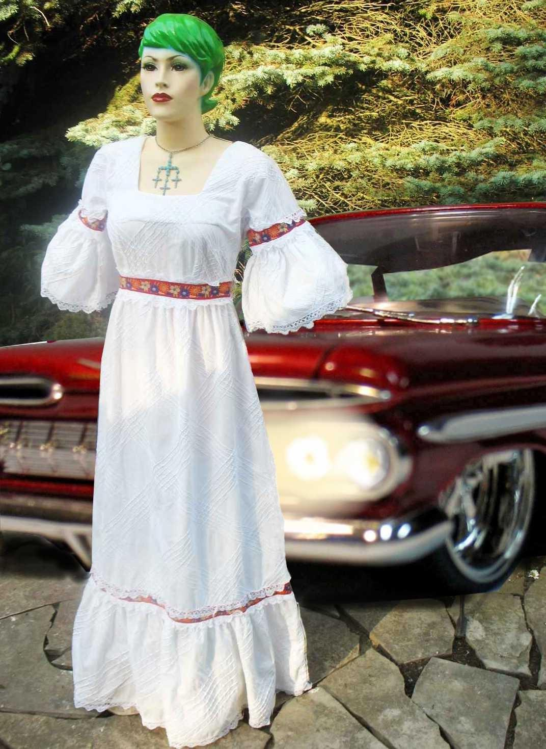 VTG 70s MeXiCaN WEDDING Dress. From kidlee