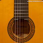 Madera, tiempo, silencio... y arte. Guitarra flamenca, Guitarras alhambra.
