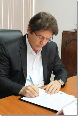 Robinson Faria assinatura