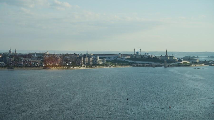 Вид из окна отеля Ривьера на реку Казанку