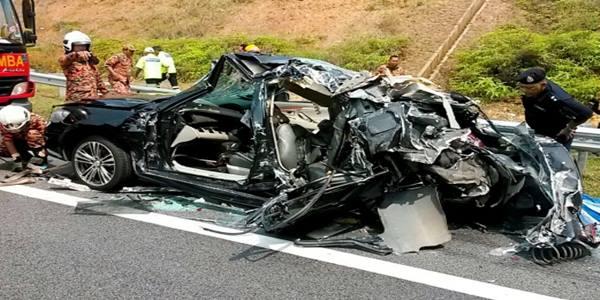 gambar kemalangan 6 maut di lpt 2.jpg