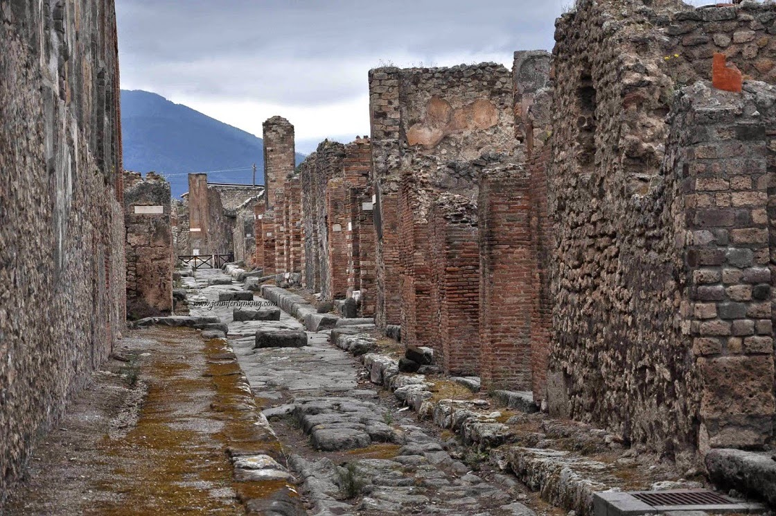 Italy: UNESCO extends Pompeii restoration deadline