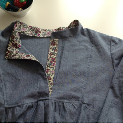 Sewing a Wiksten Tova tunic top with a hint of liberty and some pattern tips by fabricandflowers