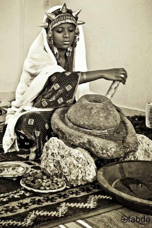 berber-girl-making-argan