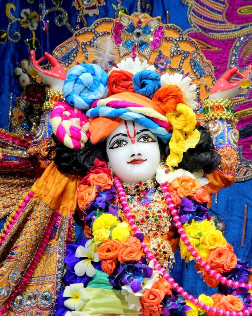 ISKCON Juhu Sringar Deity Darshan 14 Jan 2016 (19)