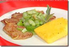 Scaloppine al limone con polentina grigliata e asparagi