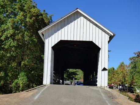 Horse Creek Bridge, a covered bridge in Oregon