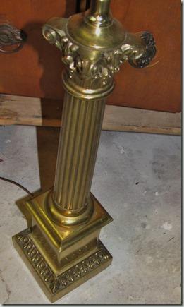 10 Whitewashed lamp
