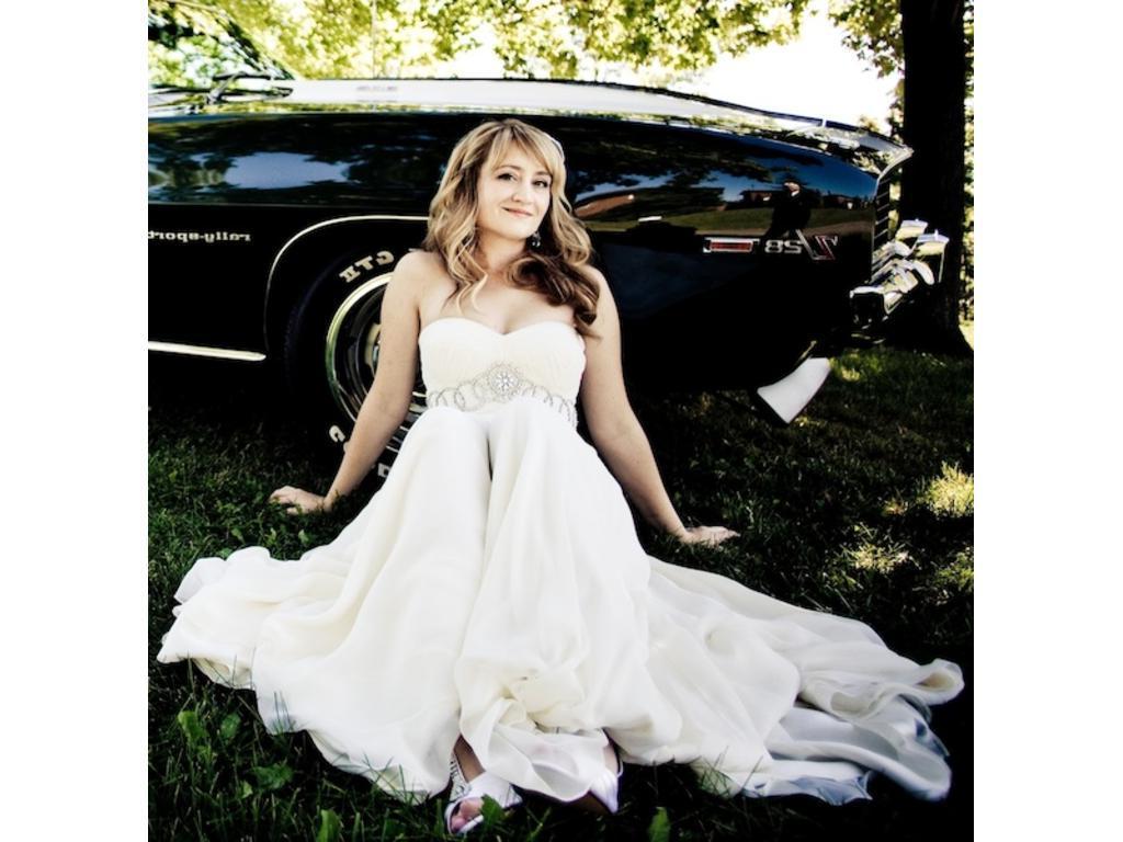 8   Used Wedding Dresses