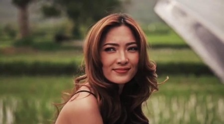 Danita Paner in Sa 'Yo Lang music video