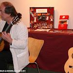 Francisco Ortiz realizó una prueba acústica con Guitarras Alhambra, Guitarras Raimundo, y guitarras del luthier de Verona, Maurizio Ghelli Santuliana