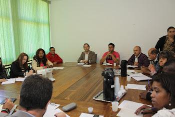 Prefeito inicia discussão salarial com comissão de servidores e sindicatos