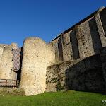 Château de la Madeleine : porte et donjon