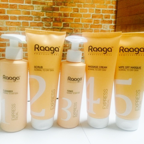 Raaga Professional EXPRESS FACIAL