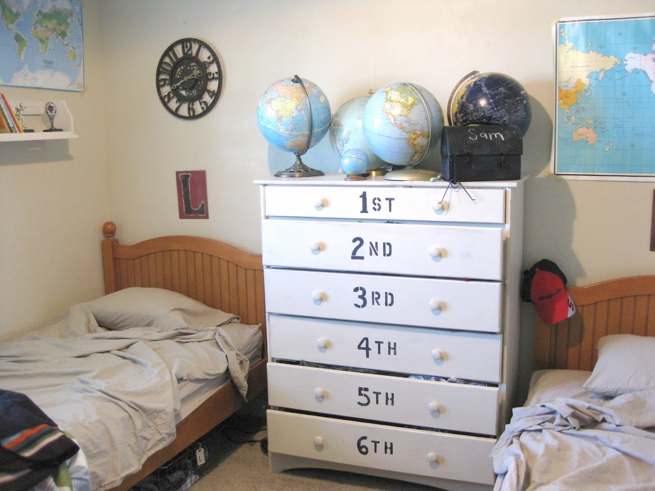 Decorating a boys room using maps and vintage finds from the thrift store