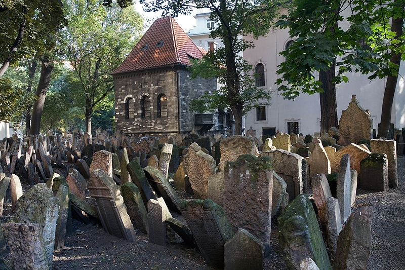 old-jewish-cemetery-9