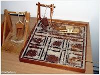 Процесс сбора соли (макет)