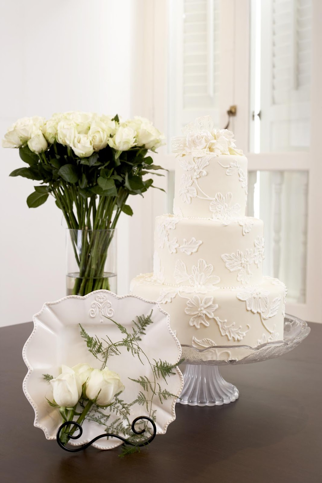 White Victorian Wedding Cakes