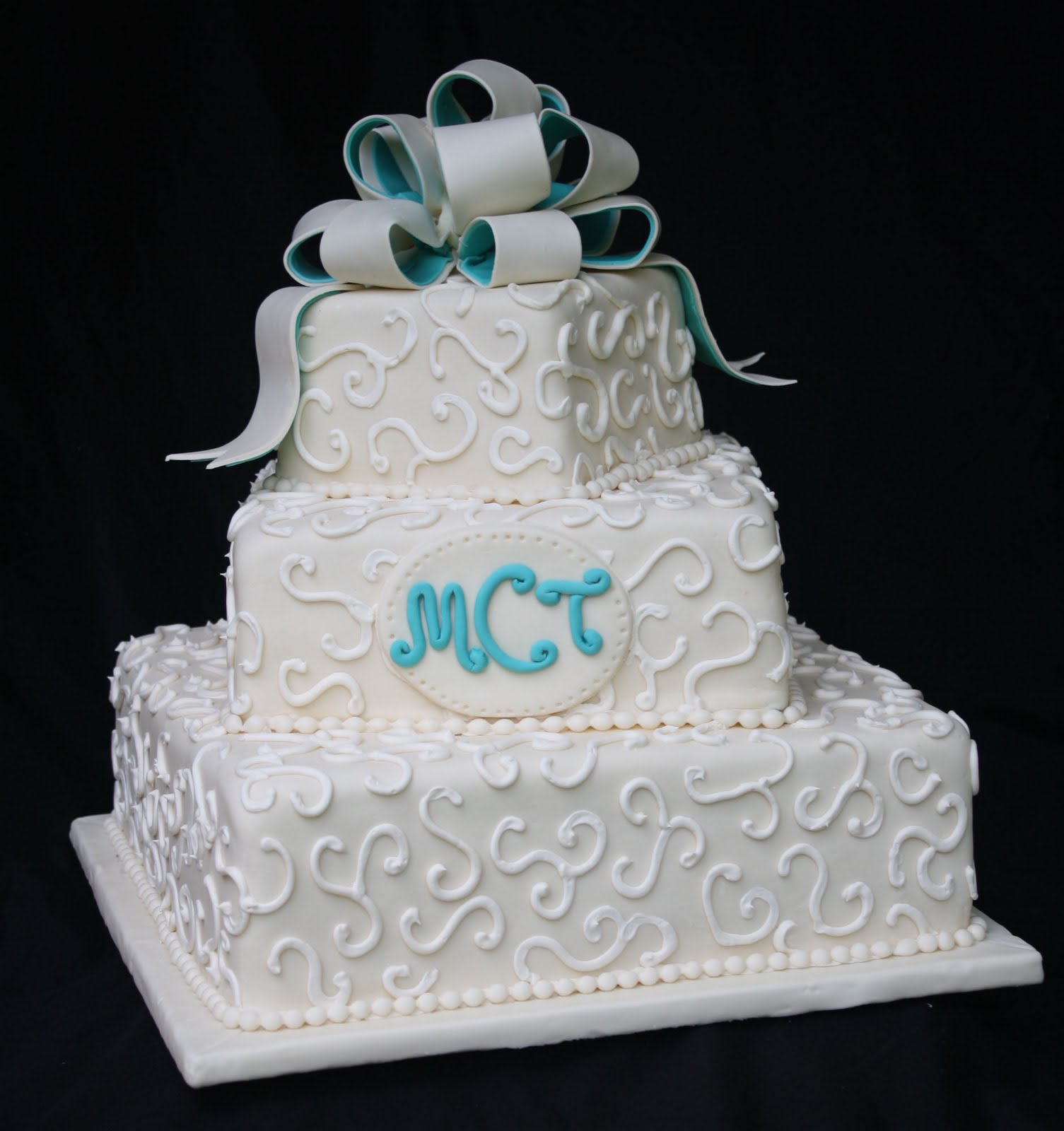Marva\'s blog: An Ivory and Teal Wedding Cake
