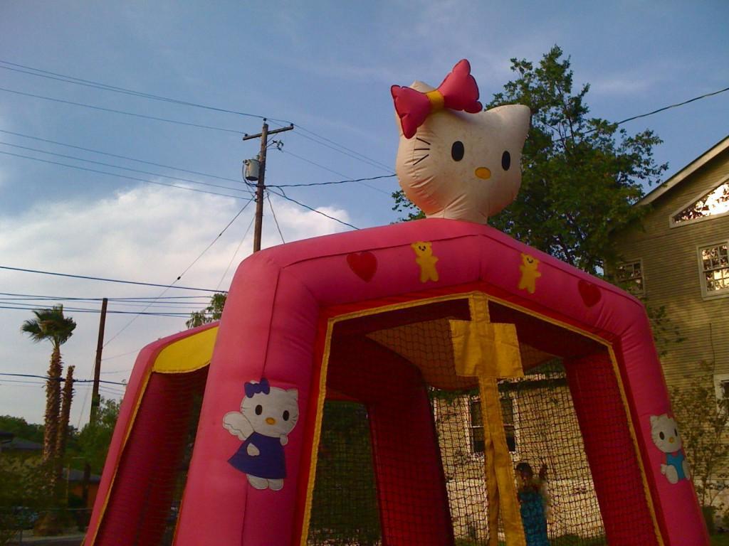 Hello Kitty moon bounce I