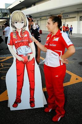 анимешная фигрурка механика Ferrari на Гран-при Японии 2013