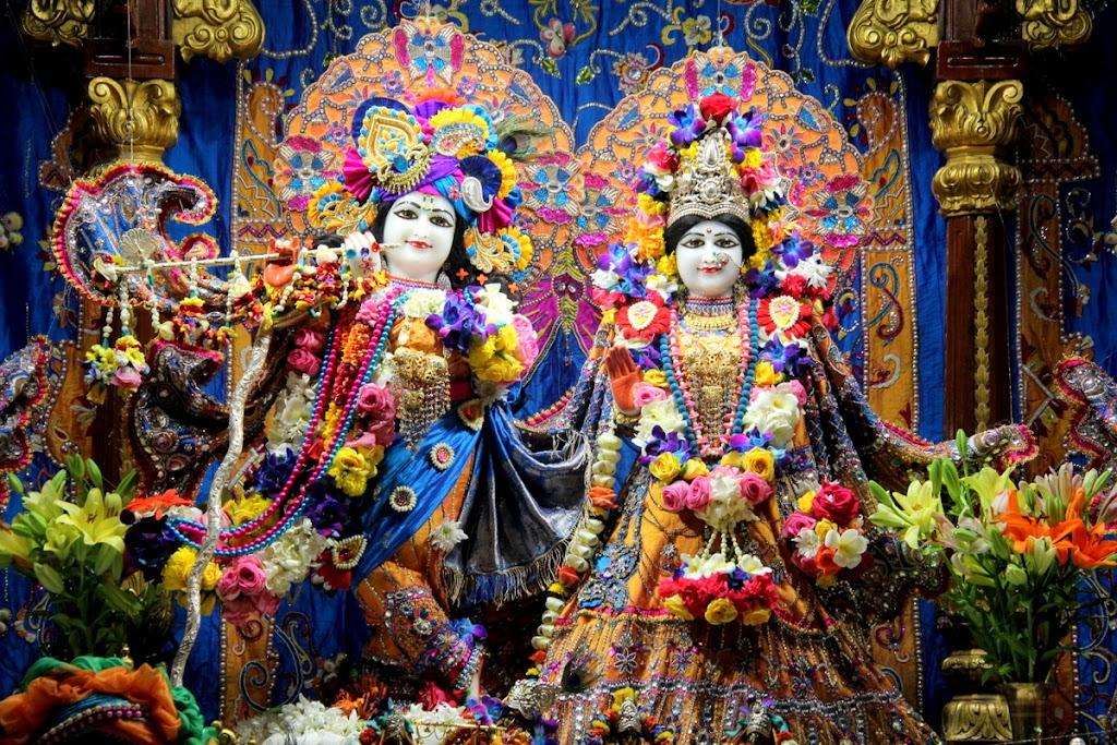 ISKCON Juhu Sringar Deity Darshan 14 Jan 2016 (2)