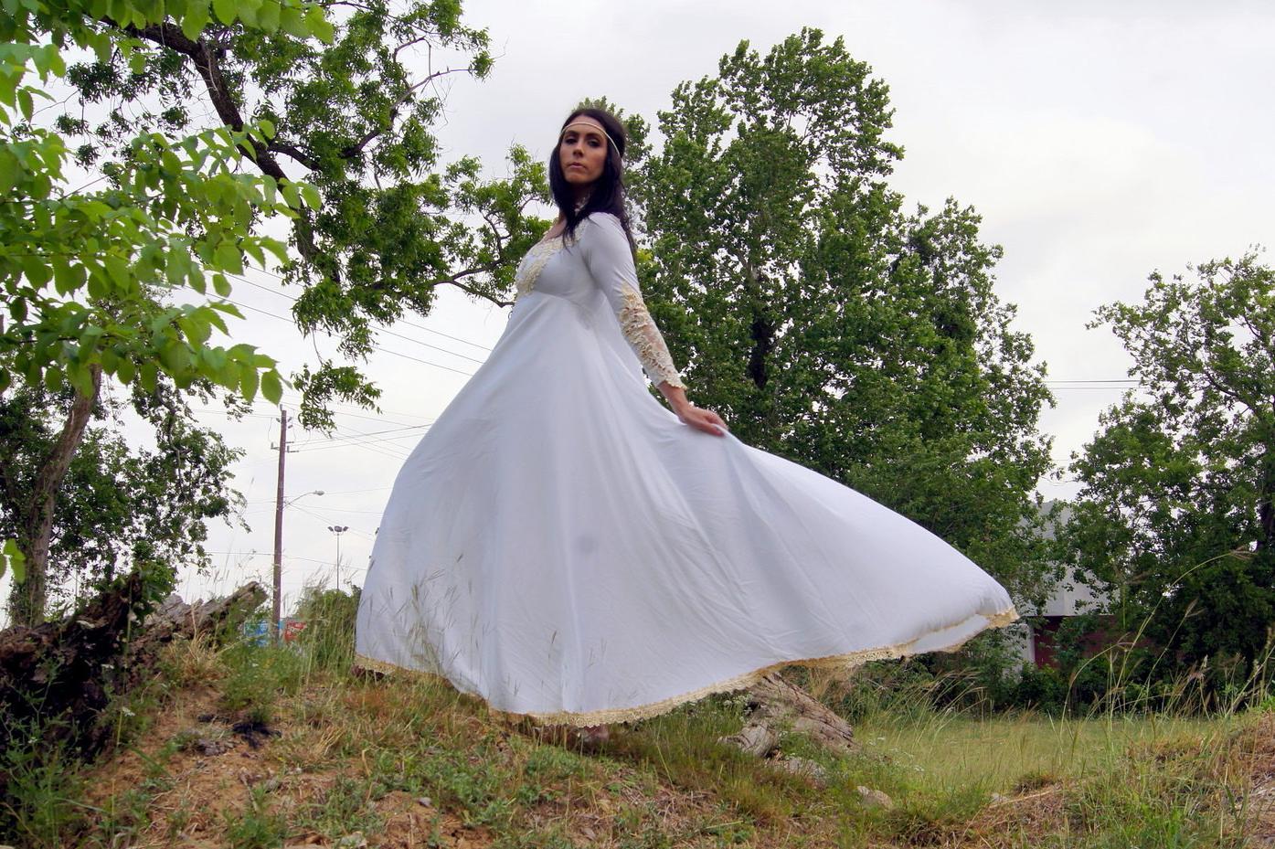 Cream lace maxi dress ?35.00