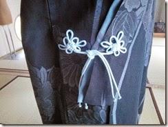 組紐をコートに付けて (3)