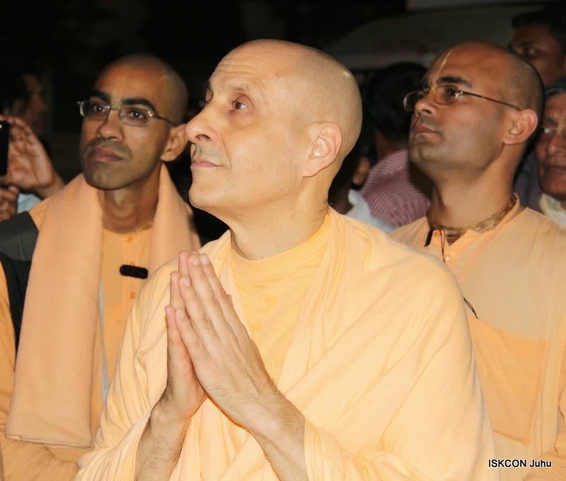 iskcon juhu rath yatra 2015 (36)