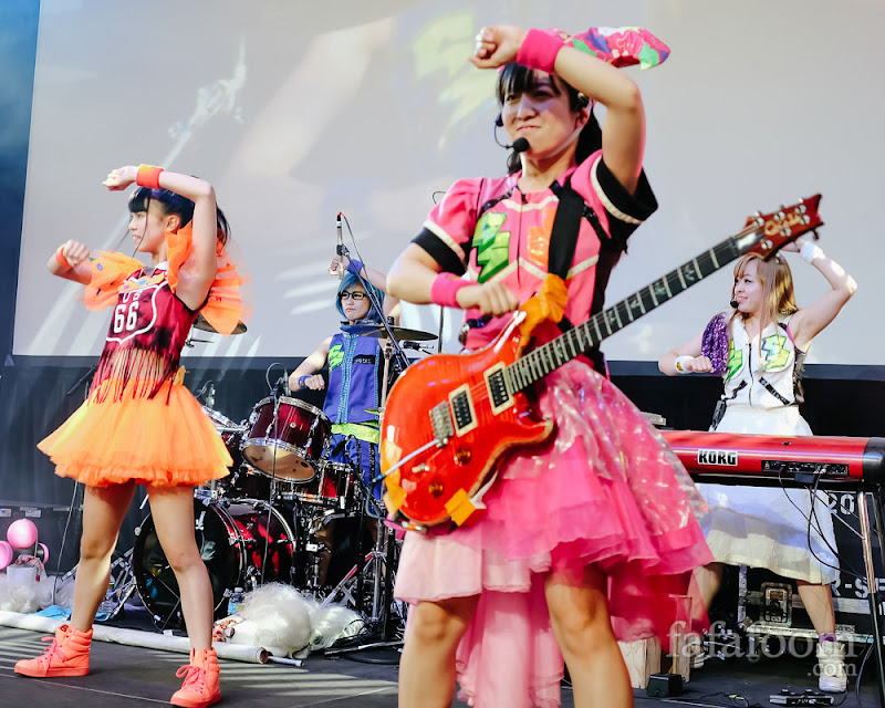 Left to right: Nenne (dancer), Hana (vocal & drums), TOMO-ZO (guitar), Oreo Reona (vocal & keyboard) of Gacharic Spin