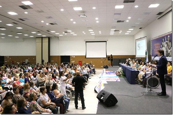 Conferência Mulher_Demis Roussos (1)