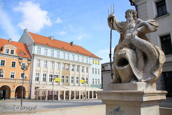 Fontanna z Neptunem na rynku w Gliwicach