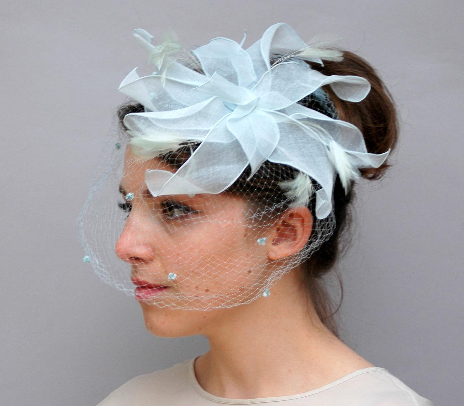 Vintage 1950s Hat - Ice Blue Linen and Feather Fascinator
